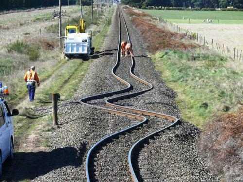 [Géologie] Les séismes ou tremblements de terres Seisme-rail