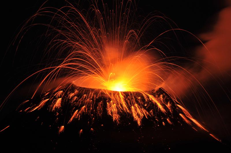 tungurahua-explosion-30-mai-2010